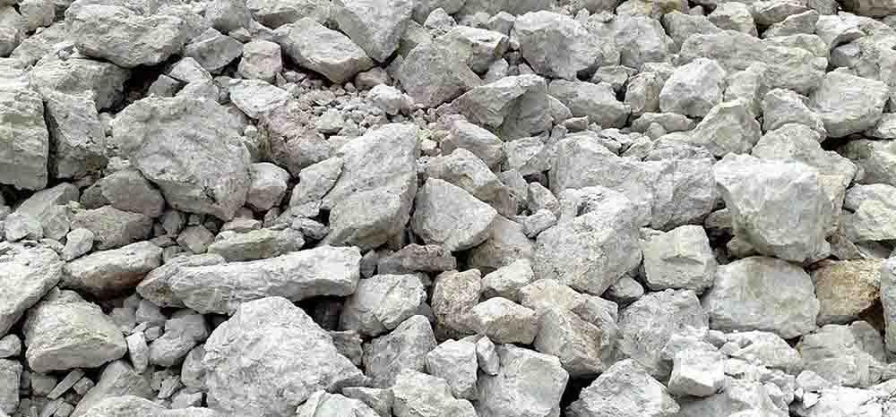 jual kalsium karbonat, calcium carbonate, limestone, clay, silica, dolomite, feldspar, manufacturer, industrial, minerals, gravel, granular, powder, niraku jaya abadi, Feldspar 2