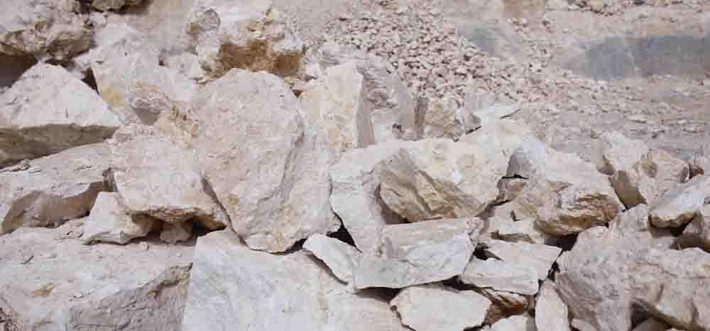 jual kalsium karbonat, calcium carbonate, limestone, clay, silica, dolomite, feldspar, manufacturer, industrial, minerals, gravel, granular, powder, niraku jaya abadi, Dolomite 2